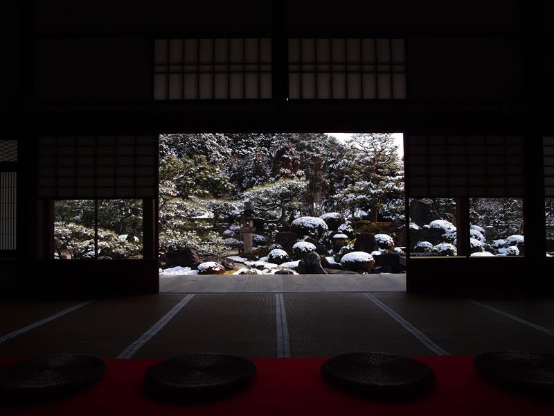 妙満寺の雪景色